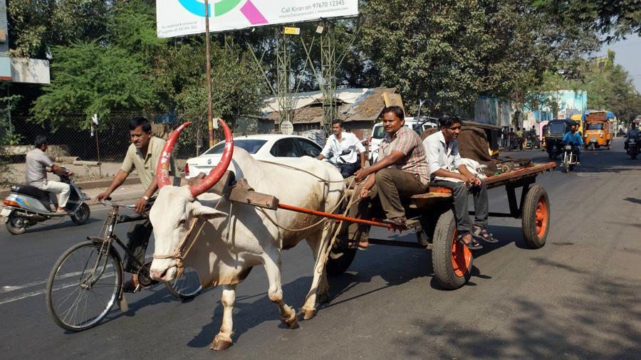 India traffic Delhi